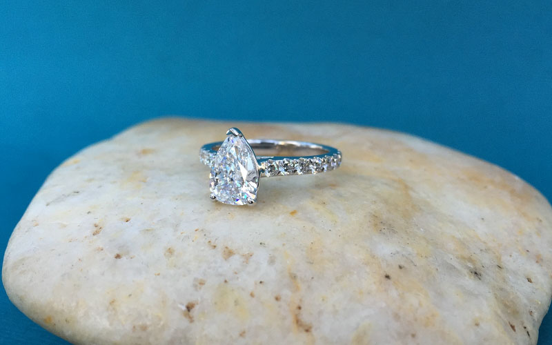 pear-shape-engagement-rings-dallas-2