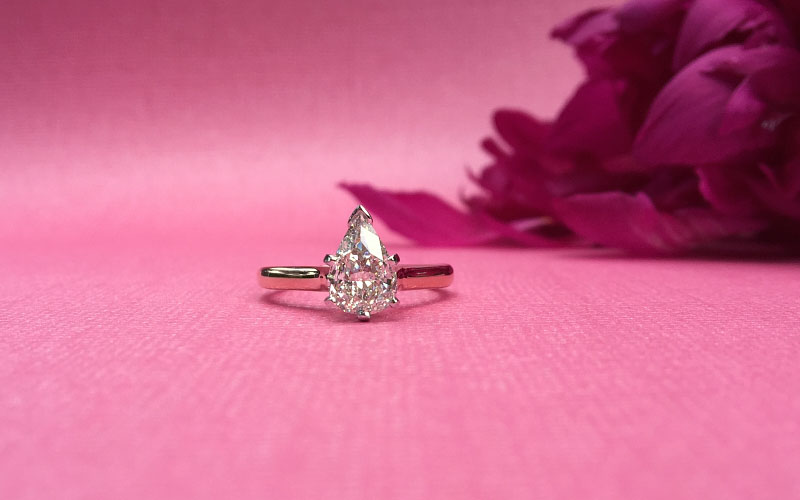 Solitaire Engagement Ring Pear Shape