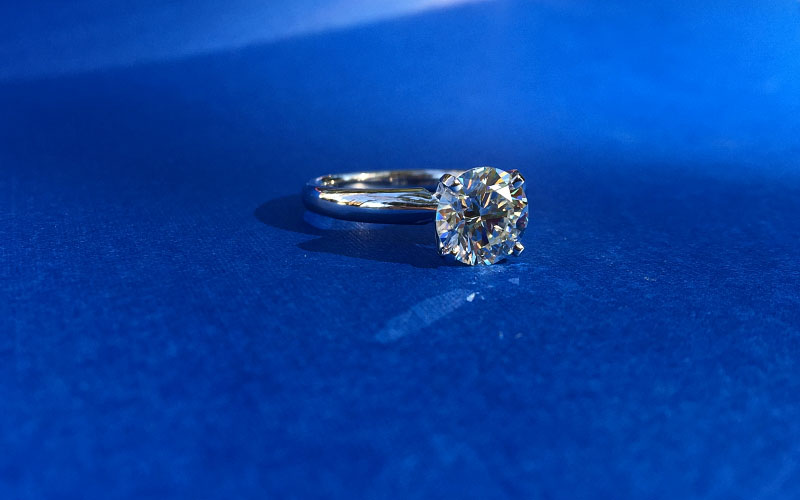 Solitaire Round Diamond Four Prongs