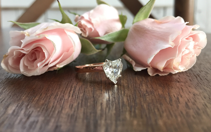 romantic-heart-shape-rose-gold-diamond-ring